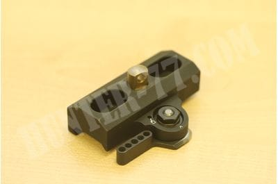 Адаптер-быстросъем LT130 на Harris LaRue Tactical